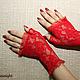 Варежки, митенки, перчатки ручной работы. Короткие красные перчатки. Ксения Gleamnight. Интернет-магазин Ярмарка Мастеров. Ярко-красный