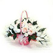 Подарки к праздникам ручной работы. Ярмарка Мастеров - ручная работа Букет из конфет - шоколад в розах. Handmade.