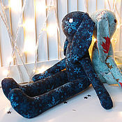 Подарки к праздникам ручной работы. Ярмарка Мастеров - ручная работа Темно-синий заяц из хлопка в снежинках Мягкая игрушка детская. Handmade.