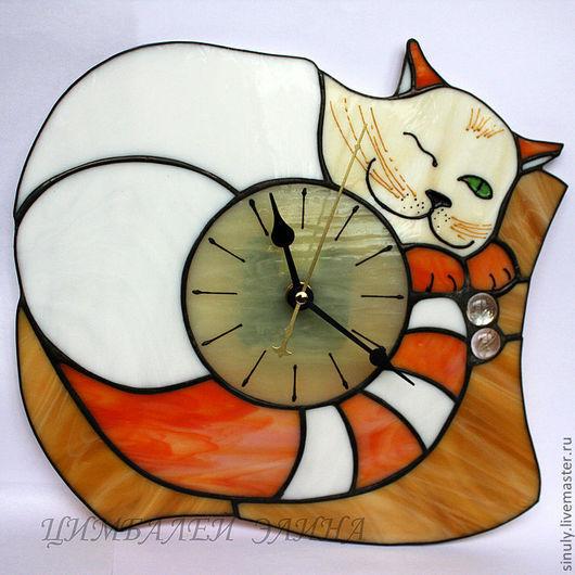 """Часы для дома ручной работы. Ярмарка Мастеров - ручная работа. Купить Витражные часы """"Белорыжик"""". Handmade. Кот, часы с котом"""