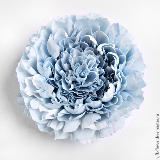 Цветы могут быть любой цветовой гаммы