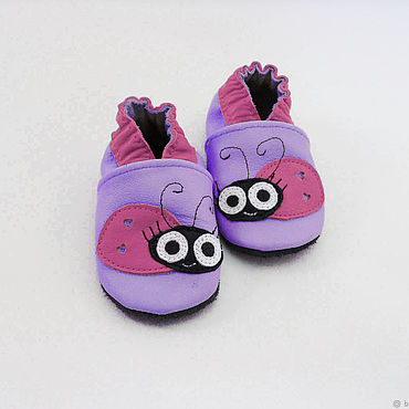 """Обувь ручной работы. Ярмарка Мастеров - ручная работа Кожаные тапочки""""Божья коровка"""" кожаная обувь.пинетки.чешки. Handmade."""