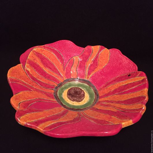 """Тарелки ручной работы. Ярмарка Мастеров - ручная работа. Купить """"Алый мак"""" керамическая тарелка. Handmade. Мак, алый, фруктовница"""