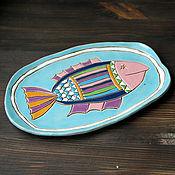 Посуда ручной работы. Ярмарка Мастеров - ручная работа Тарелка керамическая с рыбкой для сервировки. Handmade.