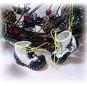 """Подарки к праздникам ручной работы. Ярмарка Мастеров - ручная работа Подвесные елочные игрушки """"Ботинки в гангстерском стиле"""". Handmade."""