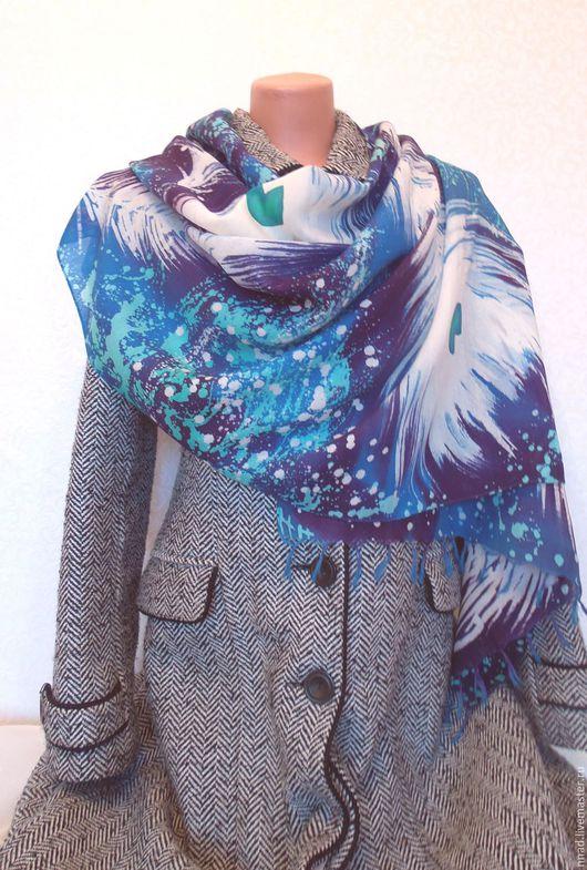 Большой шерстяной шарф. Ручная авторская роспись шерсти.