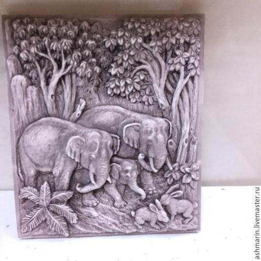 """Животные ручной работы. Ярмарка Мастеров - ручная работа. Купить Барельеф """"Семейка слонов"""" Природный краситель. Handmade. Разноцветный, подарок"""