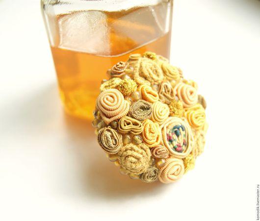 брошь `Солнечный мед`  желтая, с кварцем