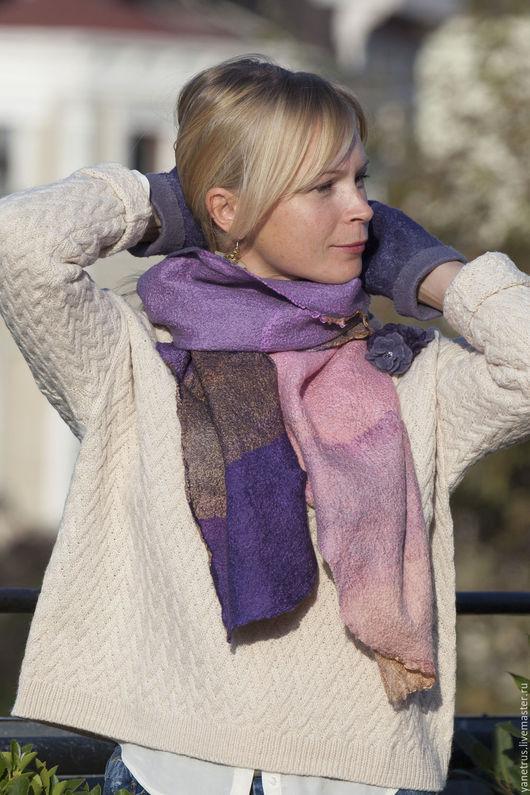 """Шали, палантины ручной работы. Ярмарка Мастеров - ручная работа. Купить шарф палантин валяный на шелке""""лавандовое утро"""". Handmade. Фиолетовый"""