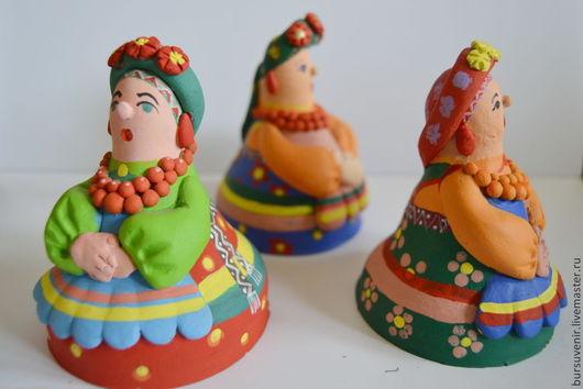 Куклы в забайкальском семейском наряде выполнена из глины (обжиг) и роспись акриловыми красками 9 см