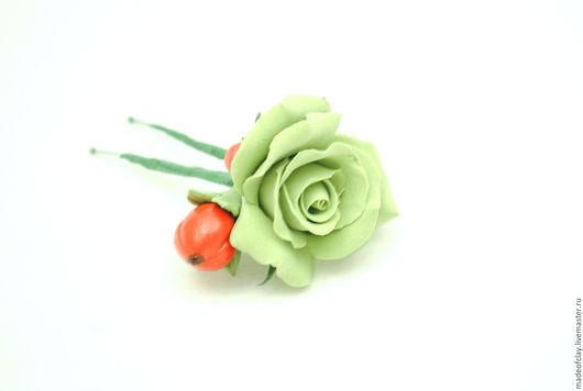 """Заколки ручной работы. Ярмарка Мастеров - ручная работа. Купить Шпилька с розой и ягодками из полимерной глины """"Цветочно-ягодная"""". Handmade."""