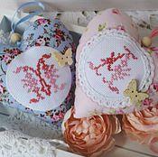 Для дома и интерьера ручной работы. Ярмарка Мастеров - ручная работа Подвески сердечки с вышитой монограммой. Handmade.