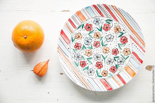 Тарелки ручной работы. Ярмарка Мастеров - ручная работа. Купить Цветочный луг. Блюдце ручной работы, керамика. Handmade. Керамика