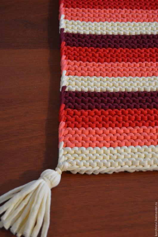 Текстиль, ковры ручной работы. Ярмарка Мастеров - ручная работа. Купить Вязанный коврик с кисточками. Handmade. Вязанный коврик