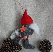 Куклы и игрушки ручной работы. Ярмарка Мастеров - ручная работа Новогодний гном сувенир колокольчик из шерсти валяный. Handmade.