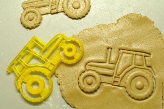 """Кухня ручной работы. Ярмарка Мастеров - ручная работа. Купить Форма для пряников и печенья """"Трактор"""". Handmade. Желтый, форма для выпечки"""