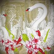 Свадебный салон ручной работы. Ярмарка Мастеров - ручная работа Бокалы на свадьбу  из полимерной глины Лебеди и Красные Цветы. Handmade.