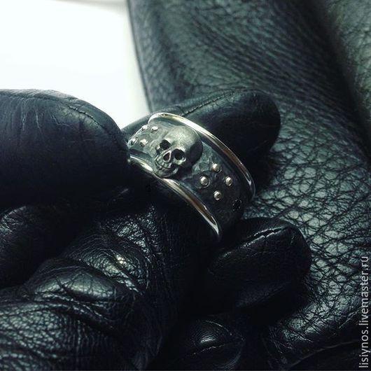 Кольца ручной работы. Ярмарка Мастеров - ручная работа. Купить Кольцо Череп с заклёпками. Handmade. Черный, колье ручной работы