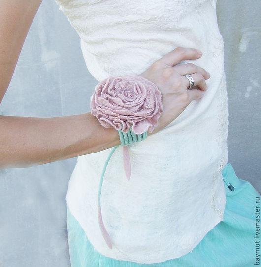 Браслеты ручной работы. Ярмарка Мастеров - ручная работа. Купить 4 в 1: Чайная роза с мятным шнурком, браслет, пояс, для шеи и волос. Handmade.