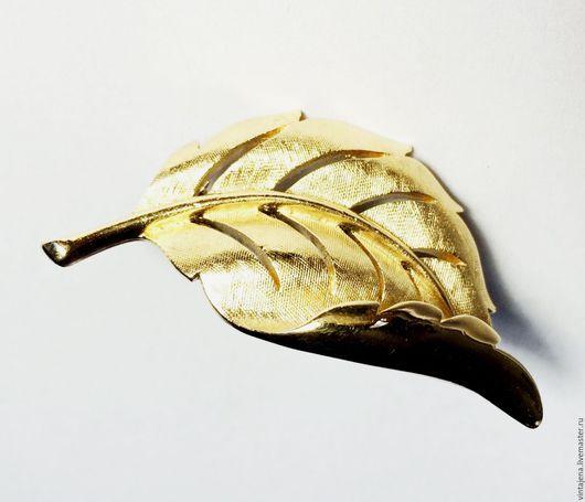 """Винтажные украшения. Ярмарка Мастеров - ручная работа. Купить Брошь """"Лист"""". TRIFARI. Винтаж. Handmade. Винтаж, золотистая брошь, лист"""