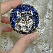 Украшения ручной работы. Ярмарка Мастеров - ручная работа Волк. Просто волк. Вышитая брошь, мулине и бисер. Handmade.