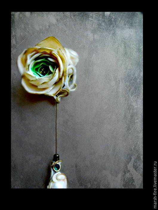 Броши ручной работы. Ярмарка Мастеров - ручная работа. Купить Ranunculus. Handmade. Белый, цветок, полимерная глина, металлическая фурнитура