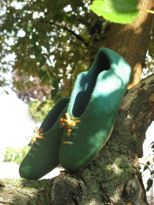 """Обувь ручной работы. Ярмарка Мастеров - ручная работа. Купить Тапочки валяные """"Зеленые очень!"""". Handmade. Зеленый, тапочки домашние"""