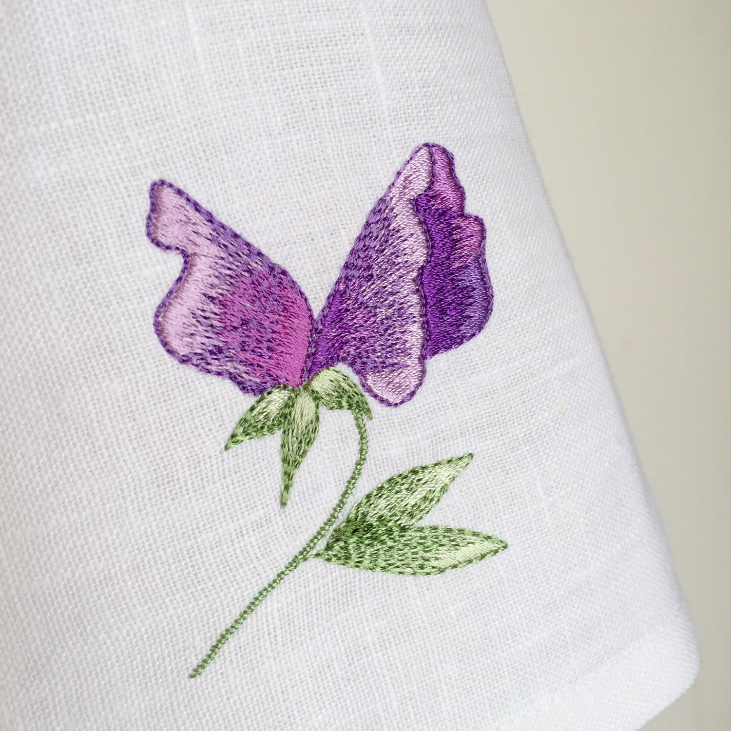 Napkin with embroidered 'sweet pea', Swipe, Moscow,  Фото №1