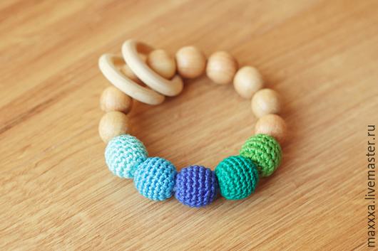Развивающие игрушки ручной работы. Ярмарка Мастеров - ручная работа. Купить Прорезыватель - первая игрушка бирюзово-зеленый с деревянными кольцами. Handmade.