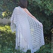 Аксессуары ручной работы. Ярмарка Мастеров - ручная работа Мериносовая ажурная шаль - теплая, уютная, красивая. Handmade.
