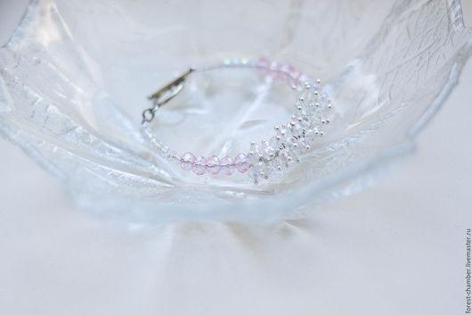 """Браслеты ручной работы. Ярмарка Мастеров - ручная работа. Купить """" Розовое шампанское """" - браслет с гроздью. Handmade. Белый"""
