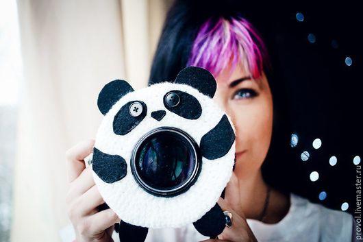 Персональные подарки ручной работы. Ярмарка Мастеров - ручная работа. Купить Панда на фотоаппарат. Handmade. Чёрно-белый, пряжа акрил