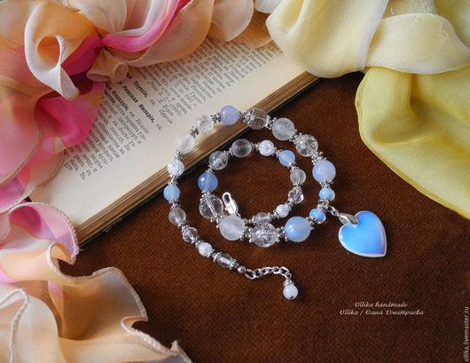 Колье, бусы ручной работы. Ярмарка Мастеров - ручная работа. Купить Колье под шейку Лунное сердечко, маленькое ожерелье, корокие бусы. Handmade.