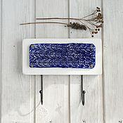 Ключницы ручной работы. Ярмарка Мастеров - ручная работа Вешалка ключница ажурная синяя. Handmade.