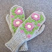 Аксессуары ручной работы. Ярмарка Мастеров - ручная работа Варежки с вышивкой  Розовые цветы. Handmade.