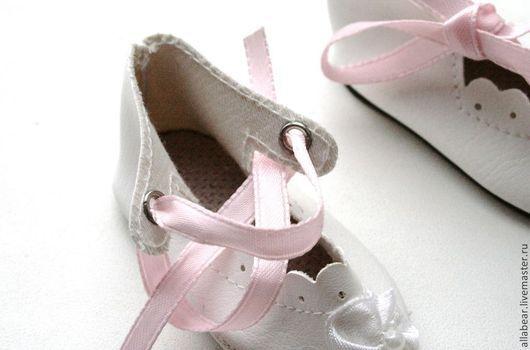 Винтажные куклы и игрушки. Ярмарка Мастеров - ручная работа. Купить Туфли для куклы № 1. Handmade. Белый, обувь для мишек