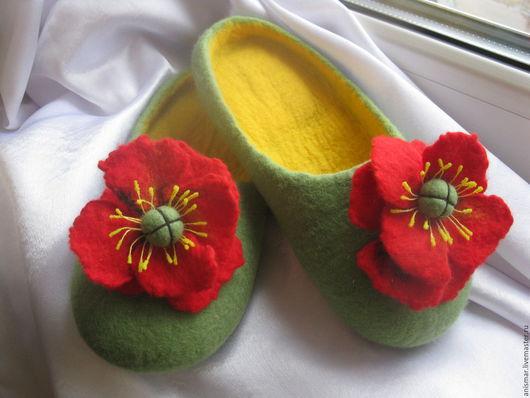 Обувь ручной работы. Ярмарка Мастеров - ручная работа. Купить Тапочки валяные Яркие маки. Handmade. Желто-зеленый