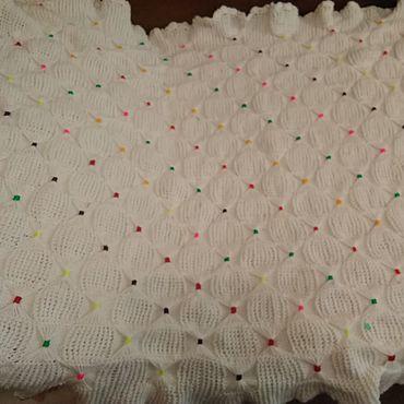 Текстиль ручной работы. Ярмарка Мастеров - ручная работа Детский вязаный плед на выписку новорожденному. Handmade.