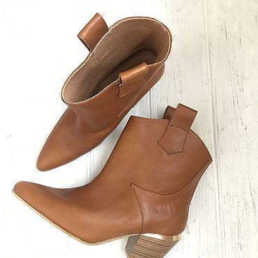 Обувь ручной работы. Ярмарка Мастеров - ручная работа Ботинки: Казаки ботинки натуральная кожа. Handmade.