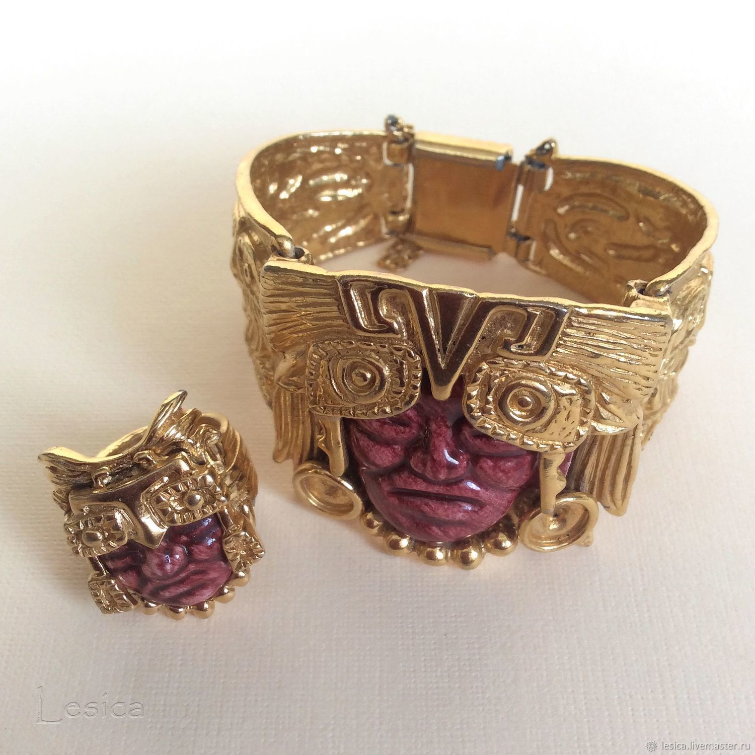 Bracelet and ring Maha Salvador Teran Marbel Aztec Gold shop
