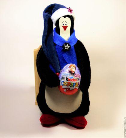 Новый год 2017 ручной работы. Ярмарка Мастеров - ручная работа. Купить Текстильная мягкая игрушка Рождественский пингвин Рикки. Handmade.