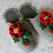 """Обувь ручной работы. Ярмарка Мастеров - ручная работа """"Уютные Маки"""" на сером, тапочки (подошва валяная). Handmade."""