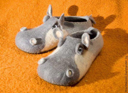 """Обувь ручной работы. Ярмарка Мастеров - ручная работа. Купить Валяные тапочки """"Бегемоты"""". Handmade. Серый, Тапочки ручной работы"""