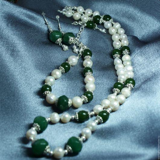 комплект украшений маме, комплект украшений жене, зеленый комплект украшений, комплект украшений белый, комплект с жемчугом, комплект серьги и колье, комплект женский, комплект с нефритом