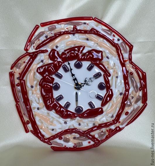 """Часы для дома ручной работы. Ярмарка Мастеров - ручная работа. Купить Часы """"Неведомый цветок"""" Фьюзинг. Handmade. Бордовый"""