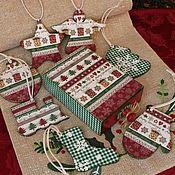 """Для дома и интерьера ручной работы. Ярмарка Мастеров - ручная работа Шкатулка-спичечный короб с елочными игрушками """"Merry Christmas"""". Handmade."""