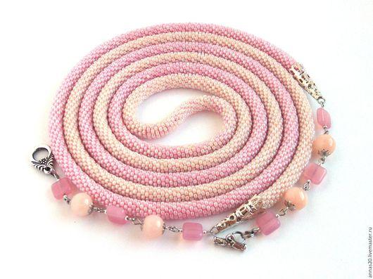 """Лариаты ручной работы. Ярмарка Мастеров - ручная работа. Купить Лариат """"Розовая карамель"""", кремово-розовый лариат из бисера. Handmade."""