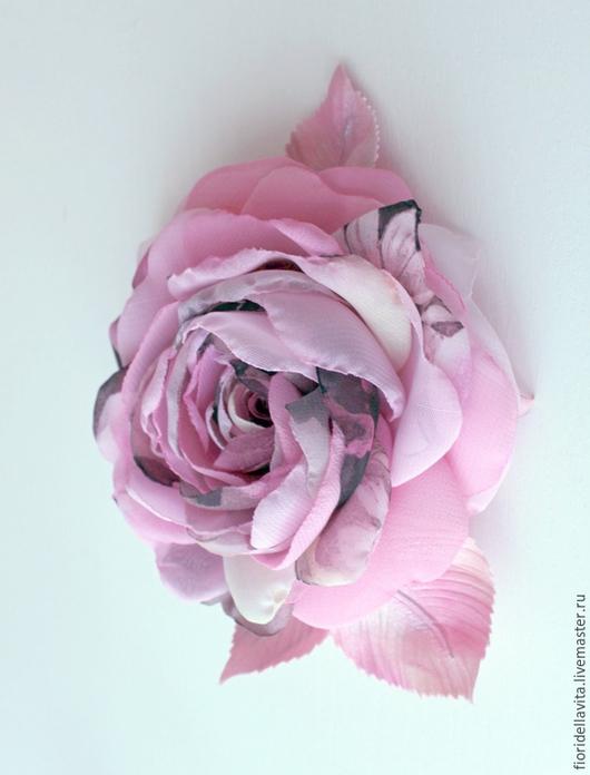 """Броши ручной работы. Ярмарка Мастеров - ручная работа. Купить ЦВЕТЫ ИЗ ТКАНИ. Шифоновая роза """"Пинки"""". Handmade."""