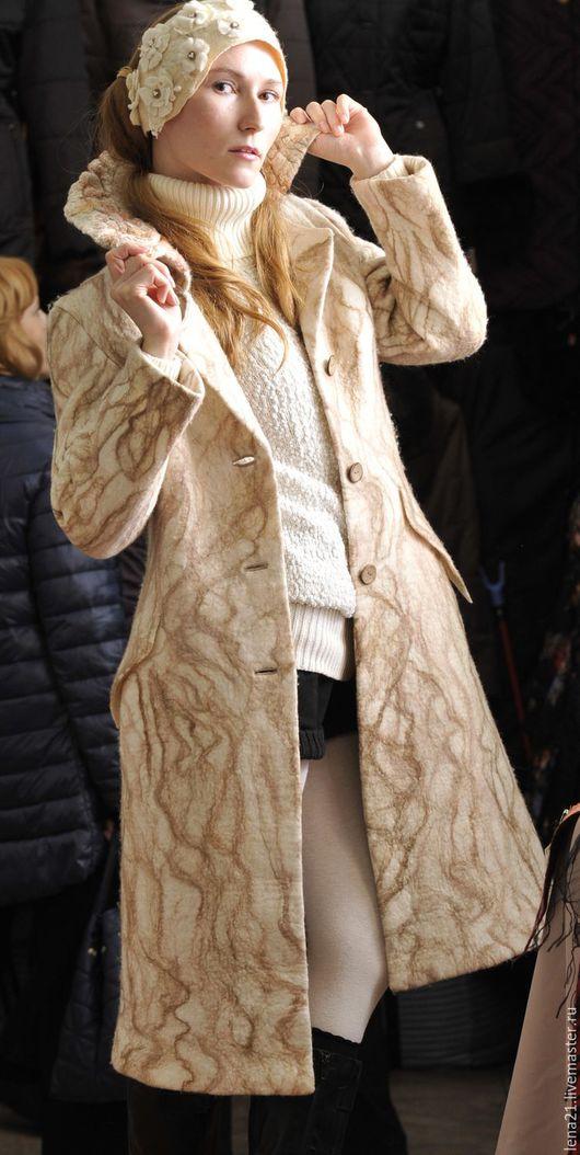 Верхняя одежда ручной работы. Ярмарка Мастеров - ручная работа. Купить валяное пальто классика светлое. Handmade. Белый