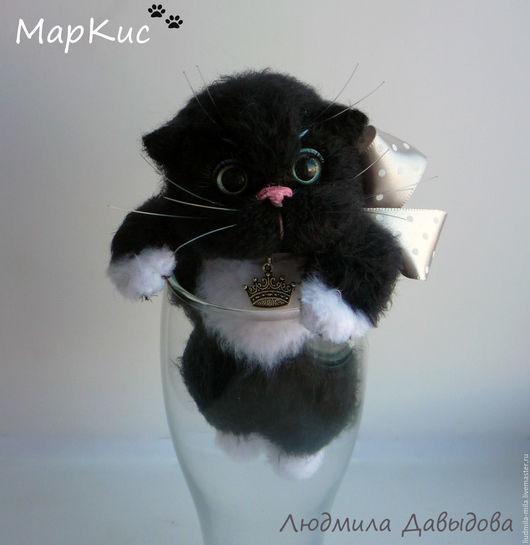 Людмила Давыдова, вязаный кот, вязаный котик, вязаный котенок, вязаные коты, игрушка кот, подарок на день влюбленных, подарок на день валентина, подарок на 8 марта, 8 марта подарок